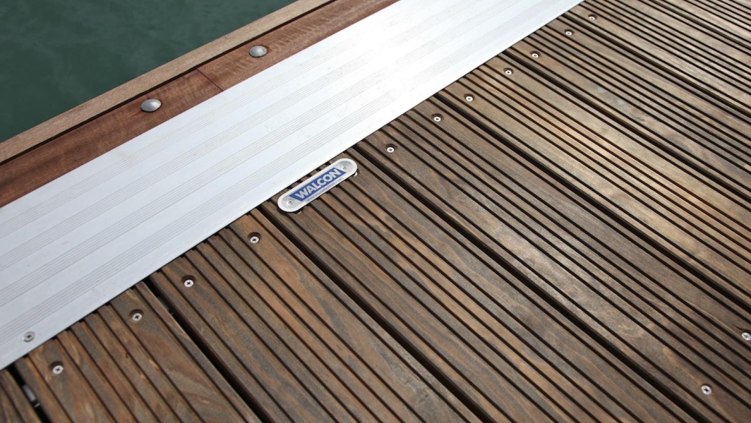 kebony mediena pontonams, jachtoms